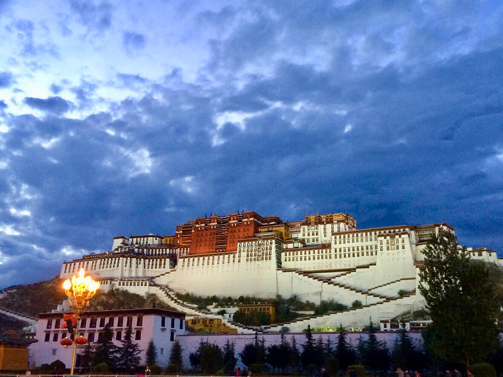 10-Day Everest Base Camp and Namtso Lake Private Tour. Day 3_Potala Palace