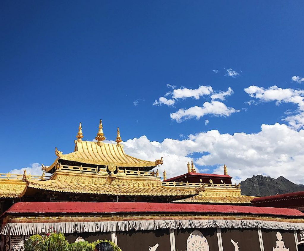 10 Days Lhasa to Tibet Everest Base Camp and Namtso Lake Group Tour. Day 2_Jokhang Temple