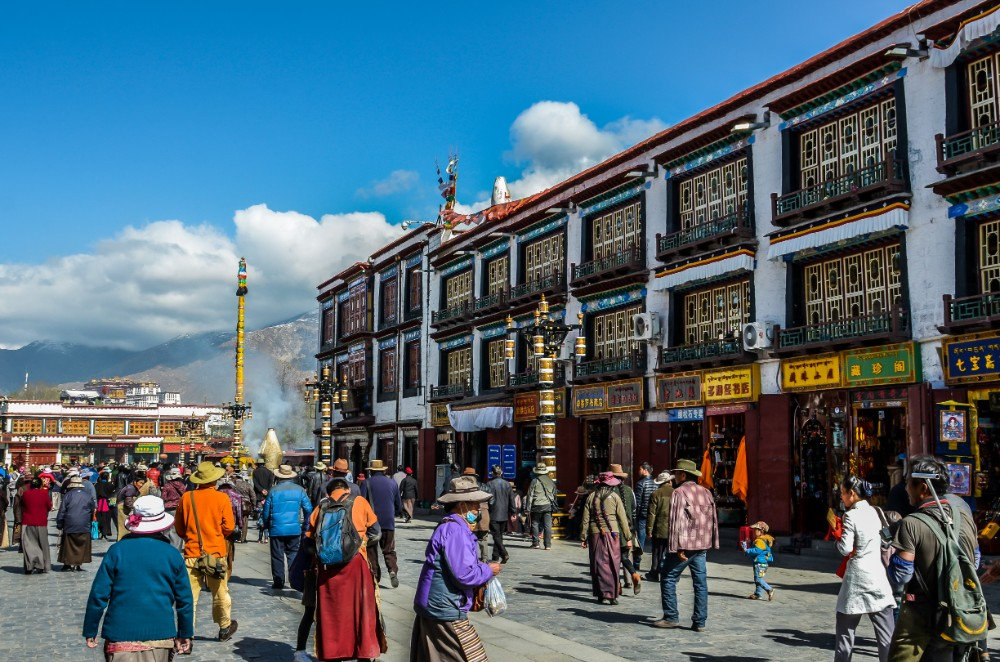 12D11N Ganden Samye Eastern Tibet Private Tour_Day 2 Barkhor Square
