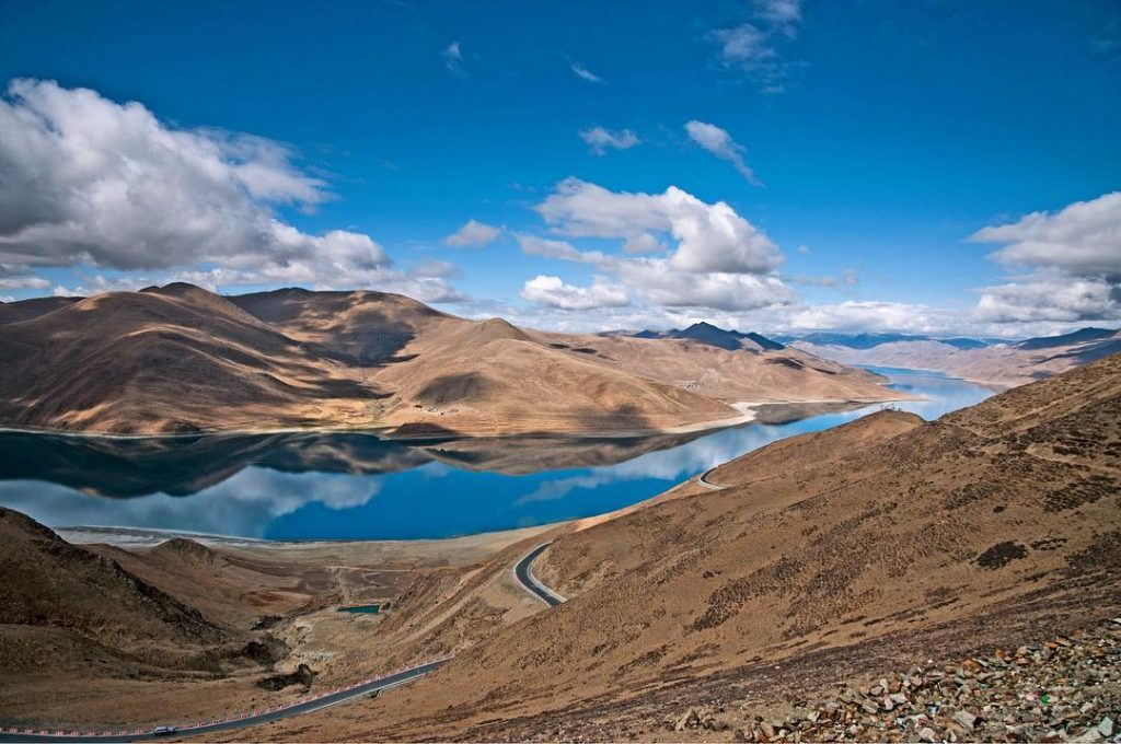 15-Day Lhasa, Everest Base Camp, Mt. Kailash, Kathmandu Private Tour. Day 4_Yamdrok Lake