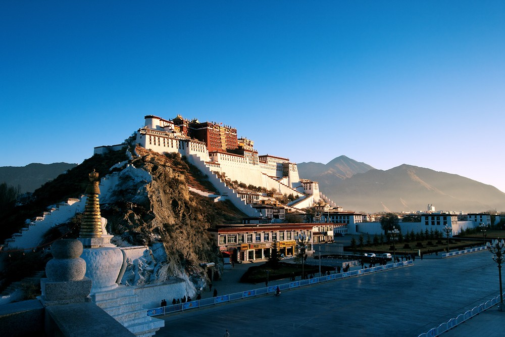 16D15N Western Tibet, Guge Kingdom, Lake Mansarovar Private Tour. Day 3_Potala Palace