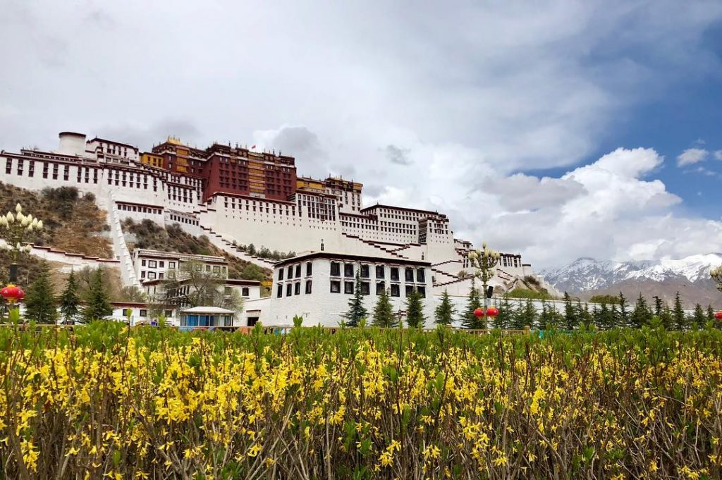 17 Days Everest Base Camp, Guge Kingdom, Mt. Kailash Group Tour. Day 2_Potala Palace