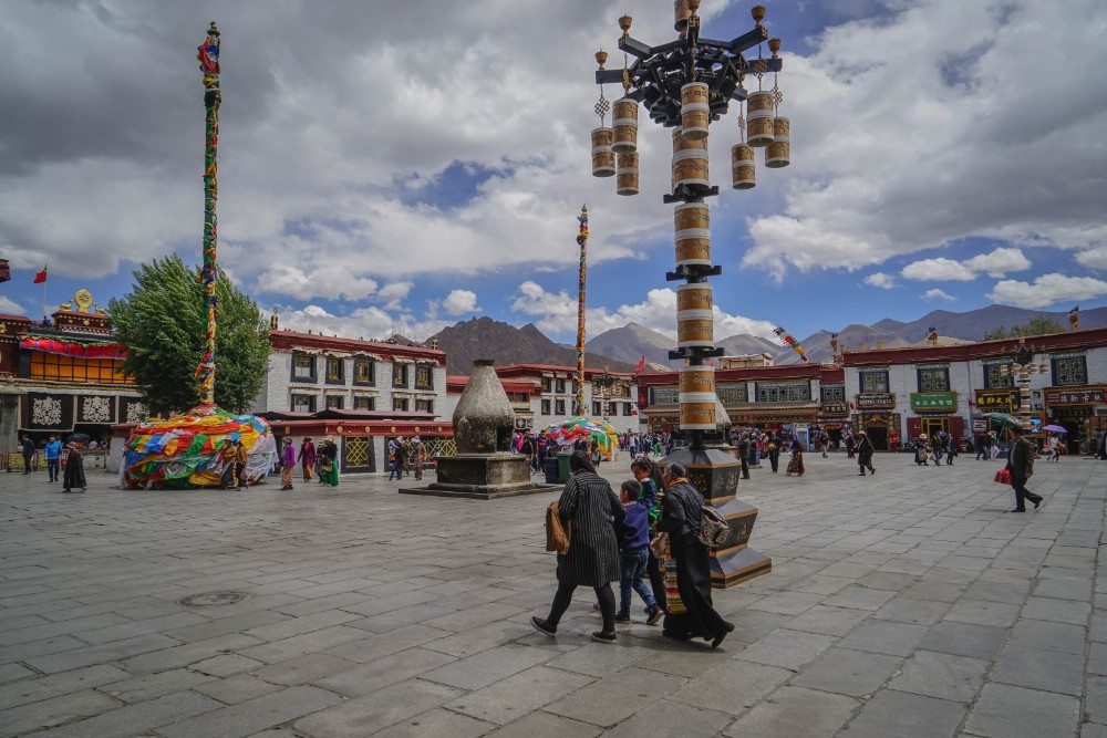 19D18N Tibet Plateau Changthang Crossing Private Tour. Day 2_Barkhor Square