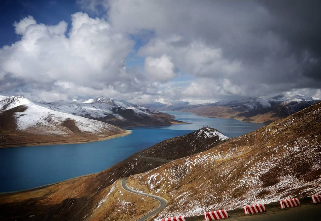 6 Days Lhasa and Yamdrok Lake Group Tour. Lhasa Yamdrok Small Group. Yamdrok Lake