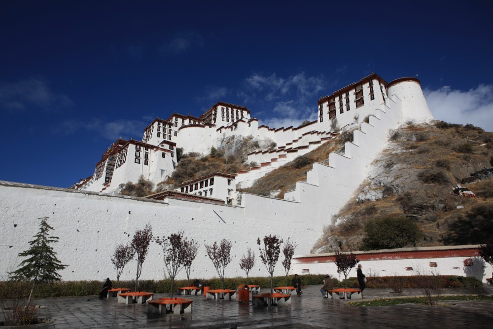 7D6N Lhasa Monasteries and Samye Private Tour. Day 3_Potala palace east gate