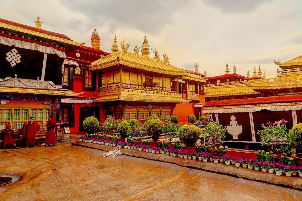 8-Day Lhasa to Everest Base Camp to Kathmandu Private Tour. Day 2_Jokhang Temple