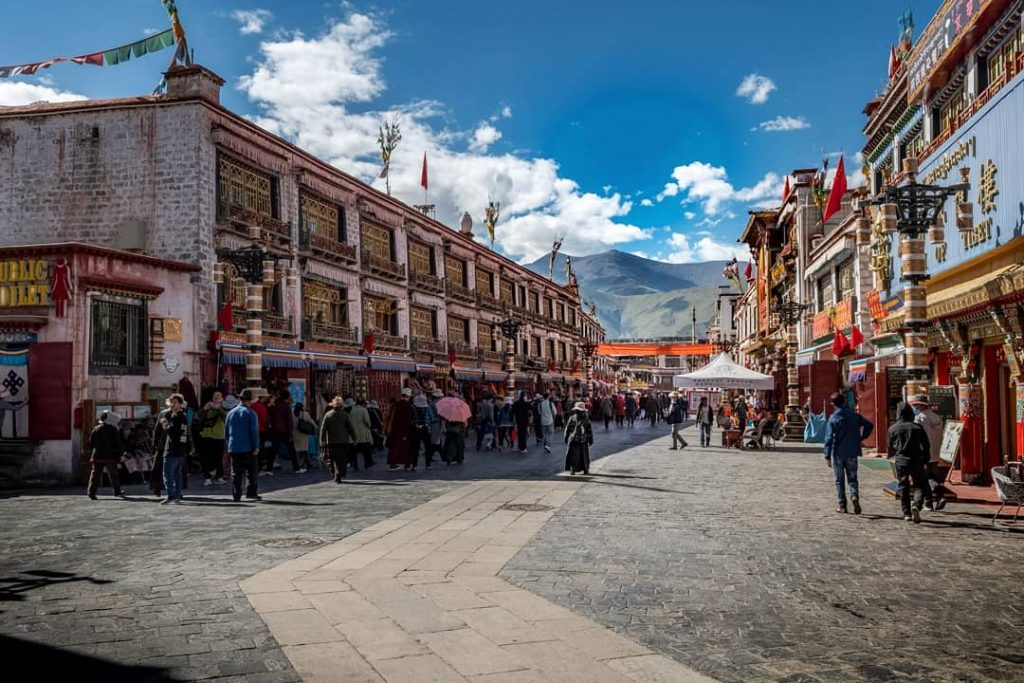 8 Days Lhasa to EBC, Tingri, Gyirong and Kathmandu Group Tour Day 1_Barkhor Square