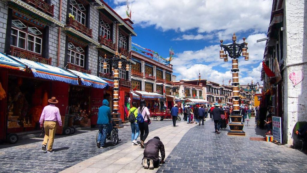 9-Day Lhasa to Everest Base Camp to Lhasa Private Tour. Day 1_Barkhor Square