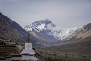 Top tibetan monasteries and temples. Buddhist monasteries in Tibet. mount everest